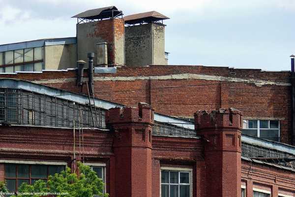 В 1915 году в Москве неподалеку от устья реки Хапиловки был заложен завод  Товарищества русско-французских заводов «Проводник» (архитектор  Г.П.Евланов). 60614be3aa1